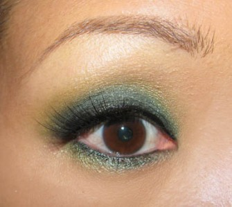 METALLIC GREEN EYE - LOOK