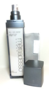 MEREADESSO FACE + NECK CLEANSER - PRODUCT IMAGE